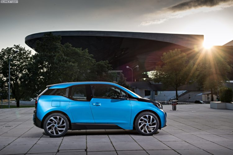 2016 BMW i3 94Ah Protonic Blue 33 kWh Elektroauto 22 750x500