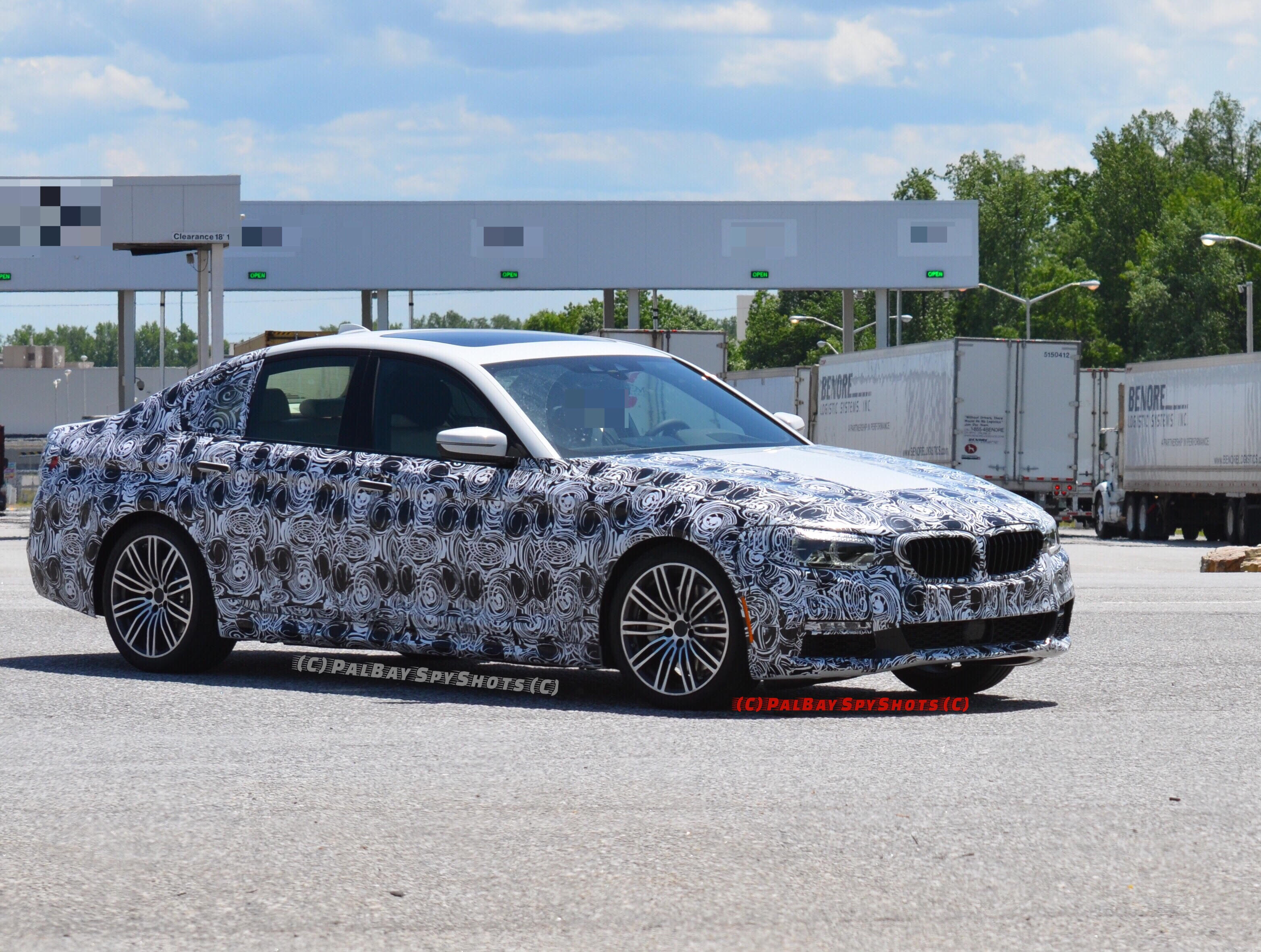 2017 BMW G30 5 Series M Sport Package 4