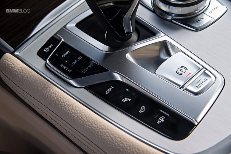 BMW 740e iPerformance 20 750x500