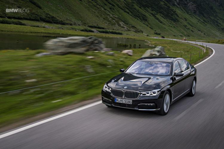 BMW 740e iPerformance 32 750x500