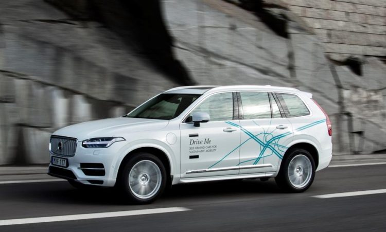 Volvo XC90 self driving 750x451