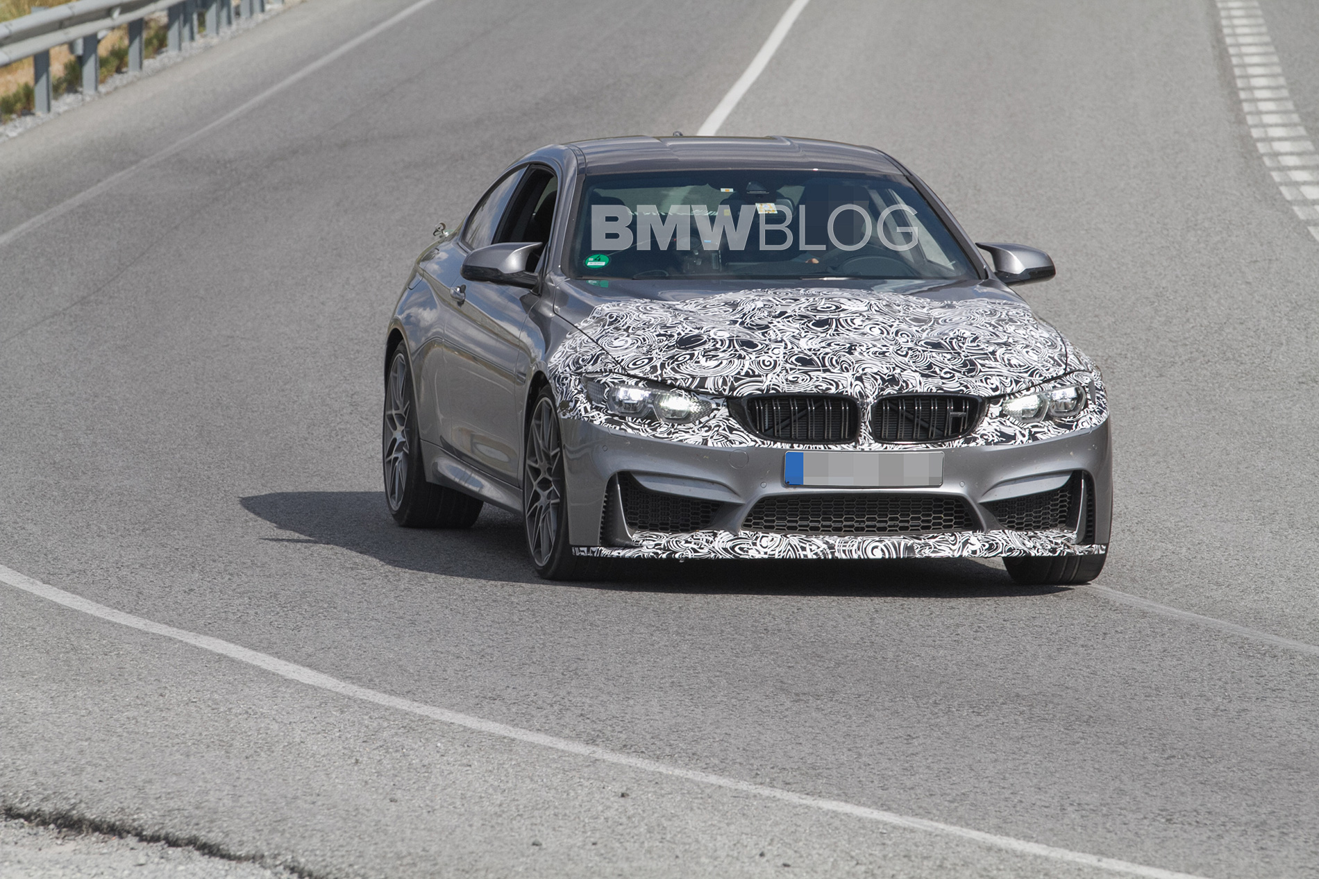2017 BMW M4 Facelift spy photos 5