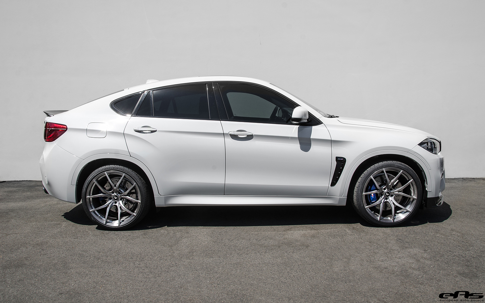 This Alpine White Bmw X6 M Gets A Makeover