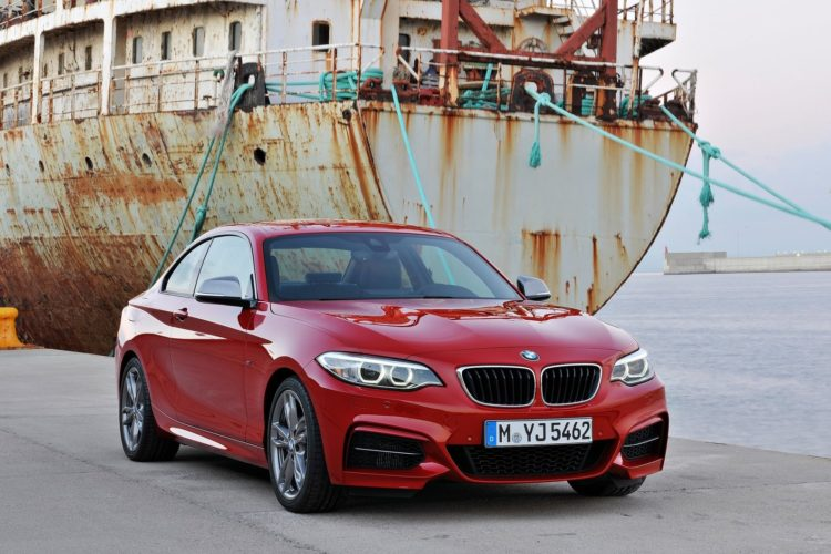 BMW M235i Coupe 2014 1600 04 750x500