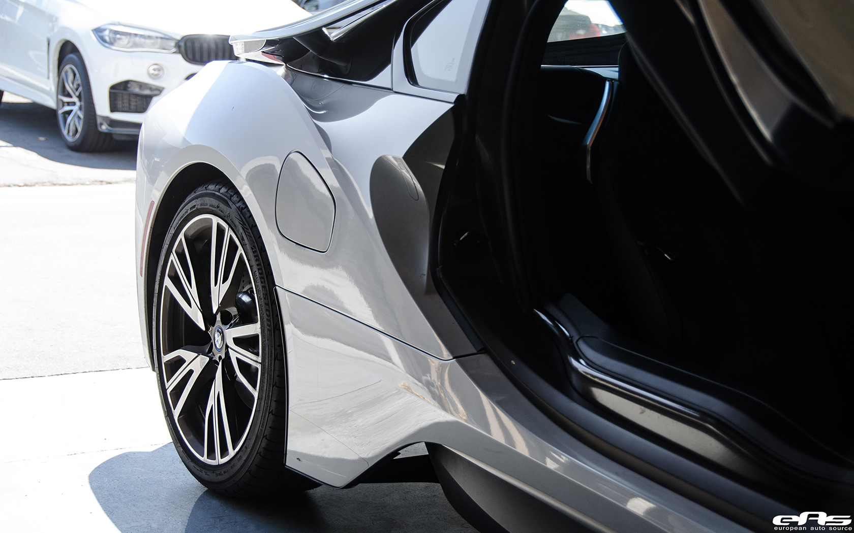 Crystal White Pearl Metallic With A Frozen Grey Accent Bmw I8