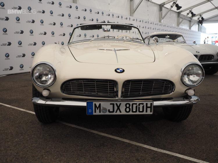 Elvis Presley BMW 507 launch 14 750x563