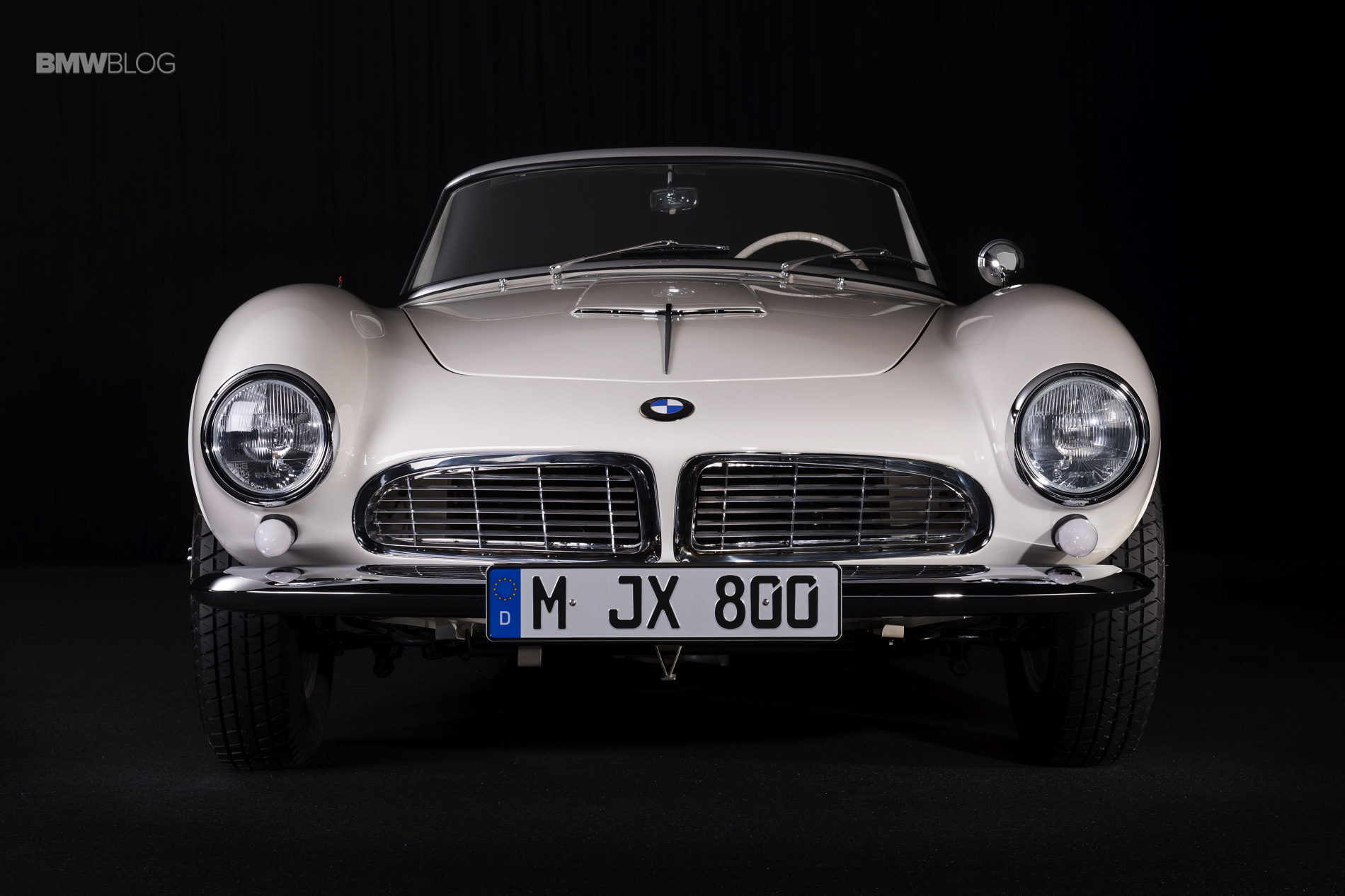 Elvis Presley BMW 507 restored 35