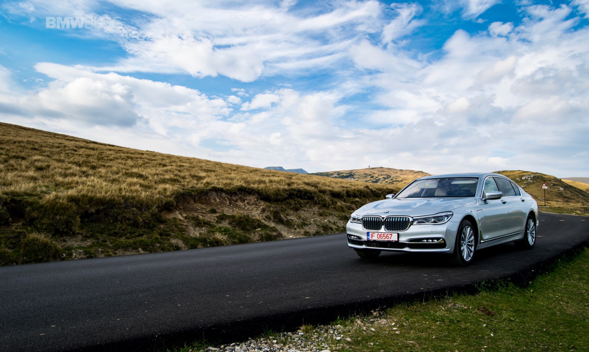 BMW 740Le test drive review 28