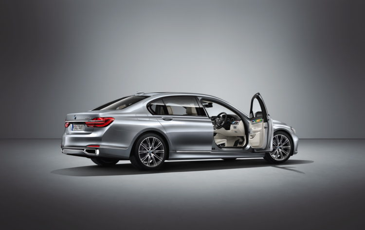 BMW Individual 7 Series by Esther Mahlangu-14