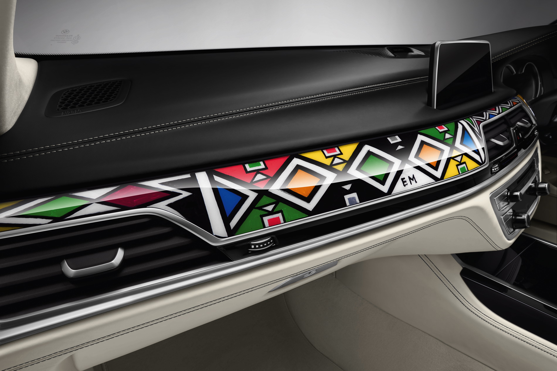 BMW Individual 7 Series by Esther Mahlangu 16