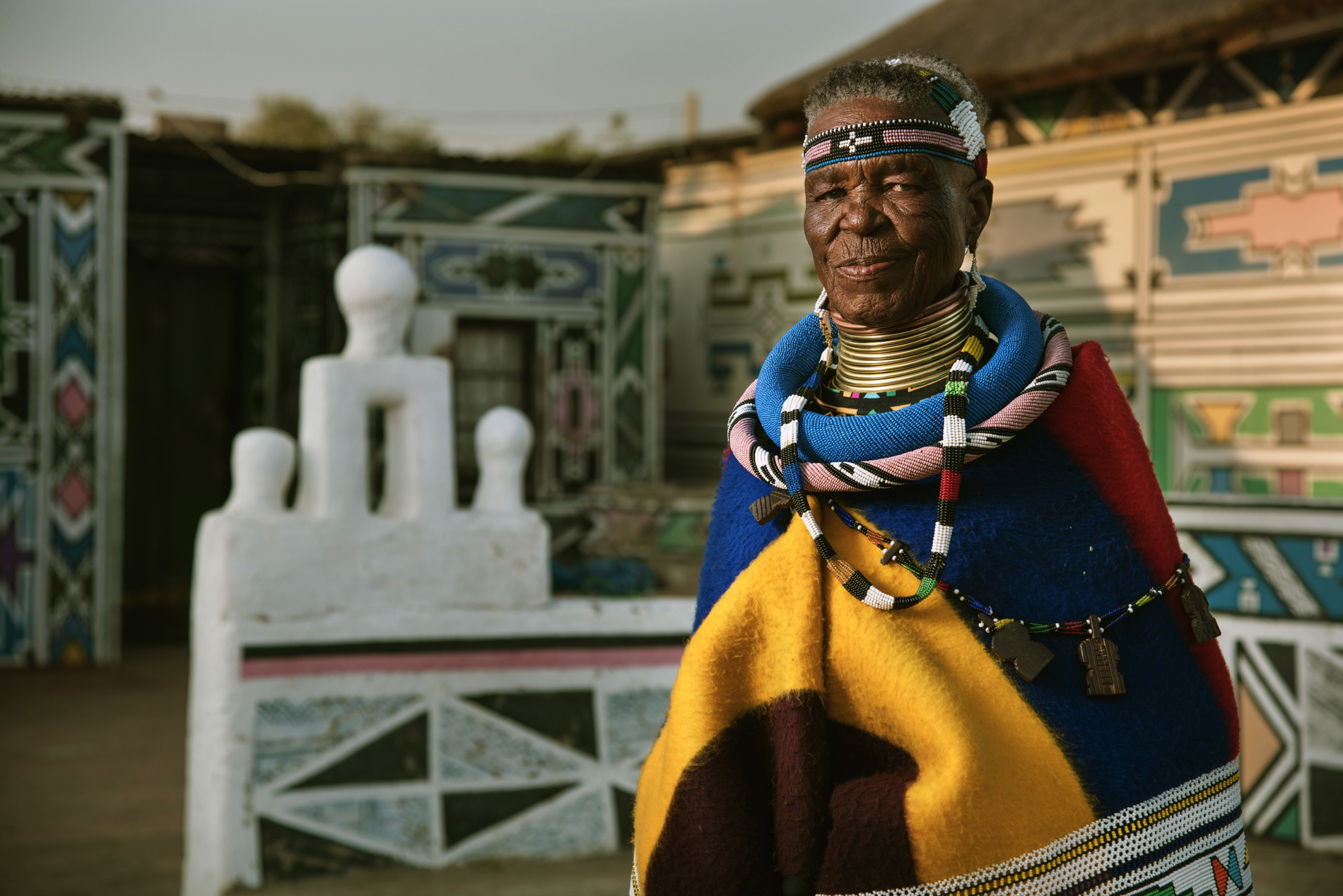 BMW Individual 7 Series by Esther Mahlangu 4