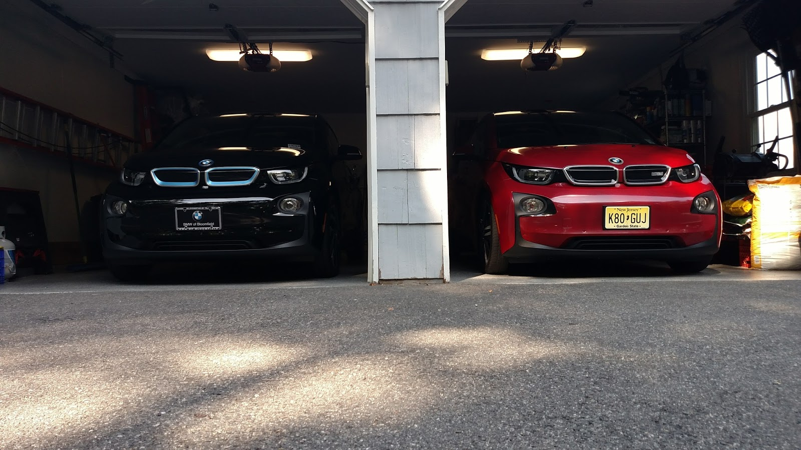 BMW i3 red black