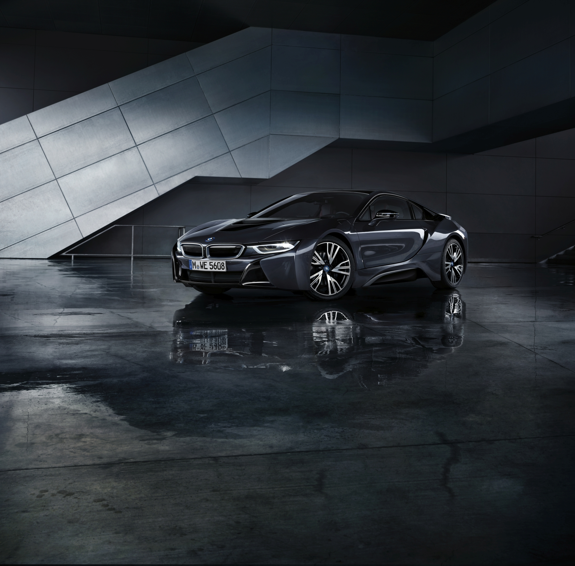 BMW i8 Dark Silver Edition8