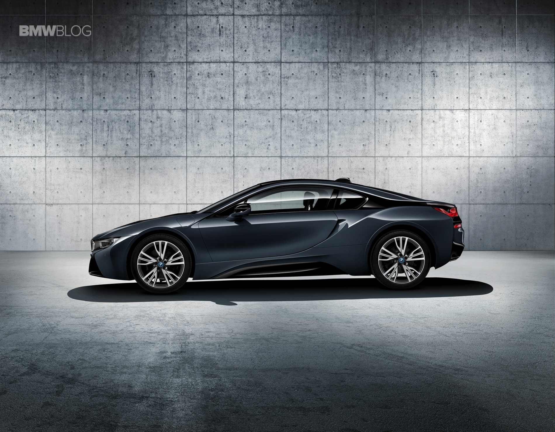 Bmw I8 Protonic Dark Silver Edition To Be Unveiled At 2016 Paris