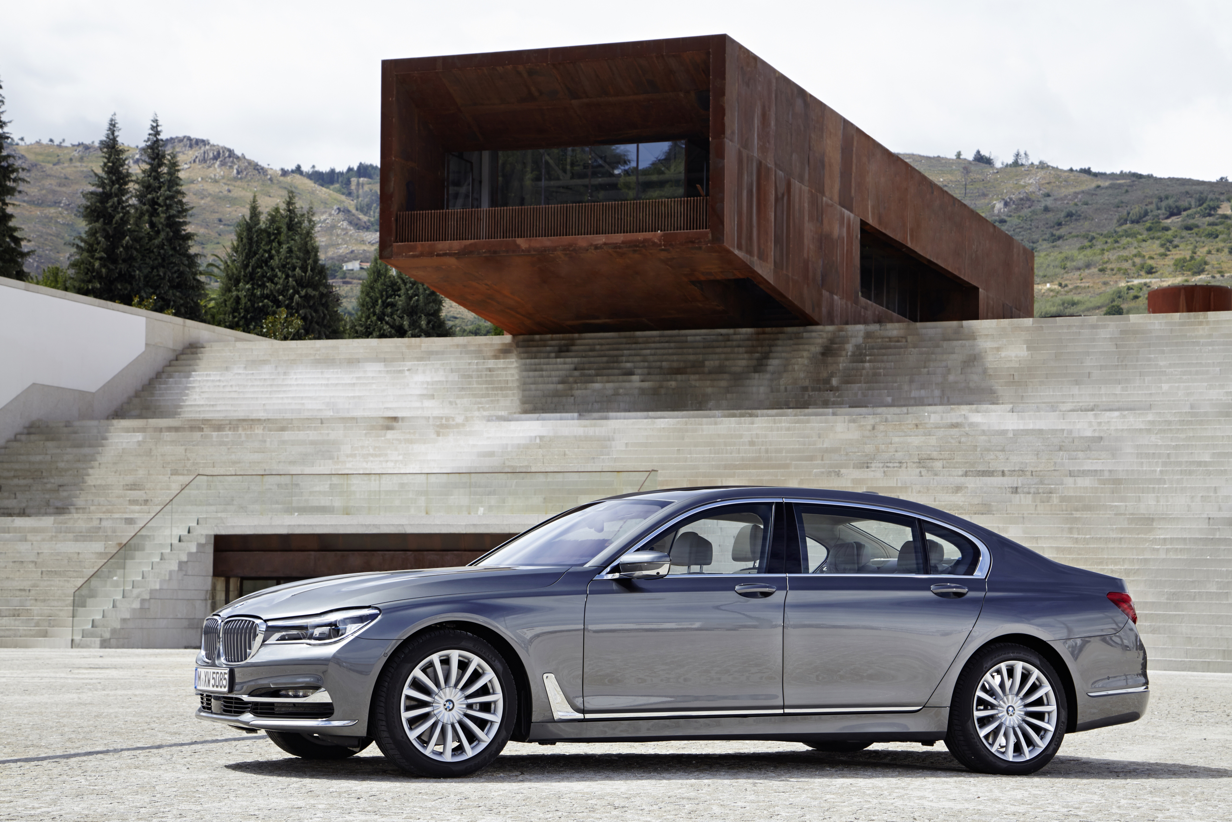 P90195398 highRes the new bmw 750li xd