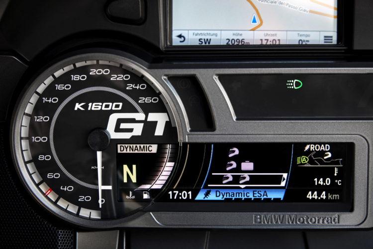 2017-BMW-K-1600-GT-10