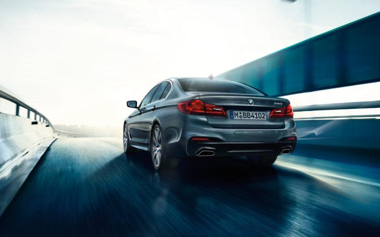 BMW-5series-sedan-imagesandvideos-1920x1200-03