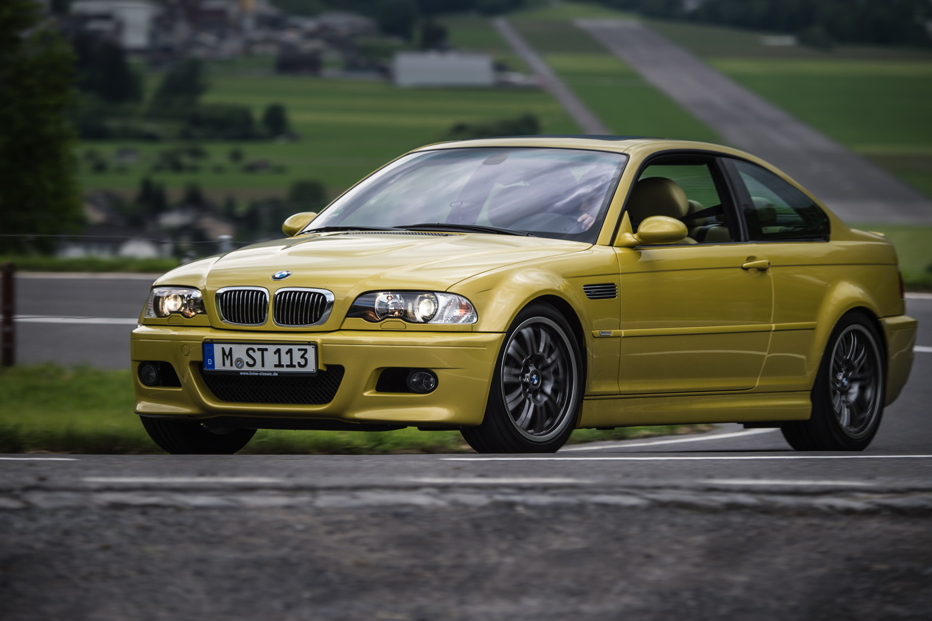 BMW E46 M3 phoenix yellow 12