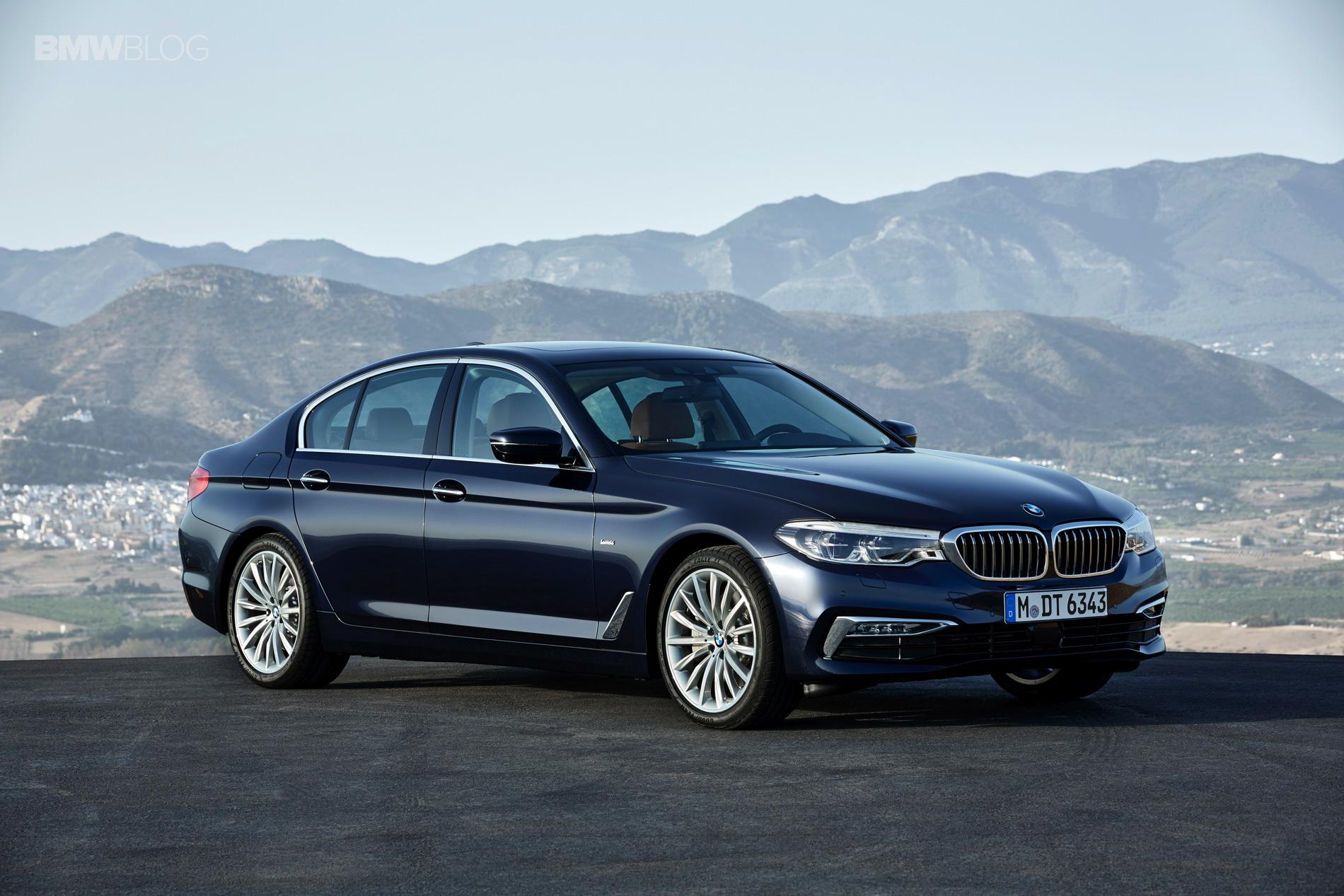 BMW G30 5 Series Luxury Line exterior 10