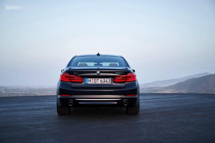 BMW G30 5 Series Luxury Line экстерьер 22 750x500