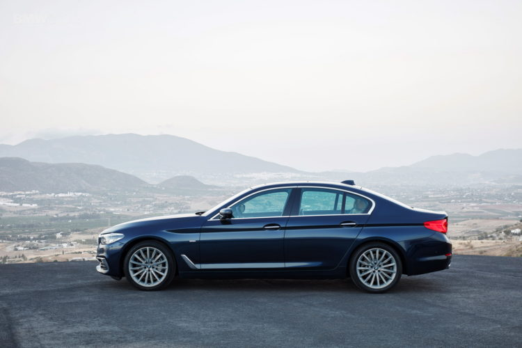 BMW-G30-5-Series-Luxury-Line-exterior-24