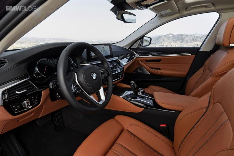 BMW G30 5 Series Luxury Line interior 7 750x500