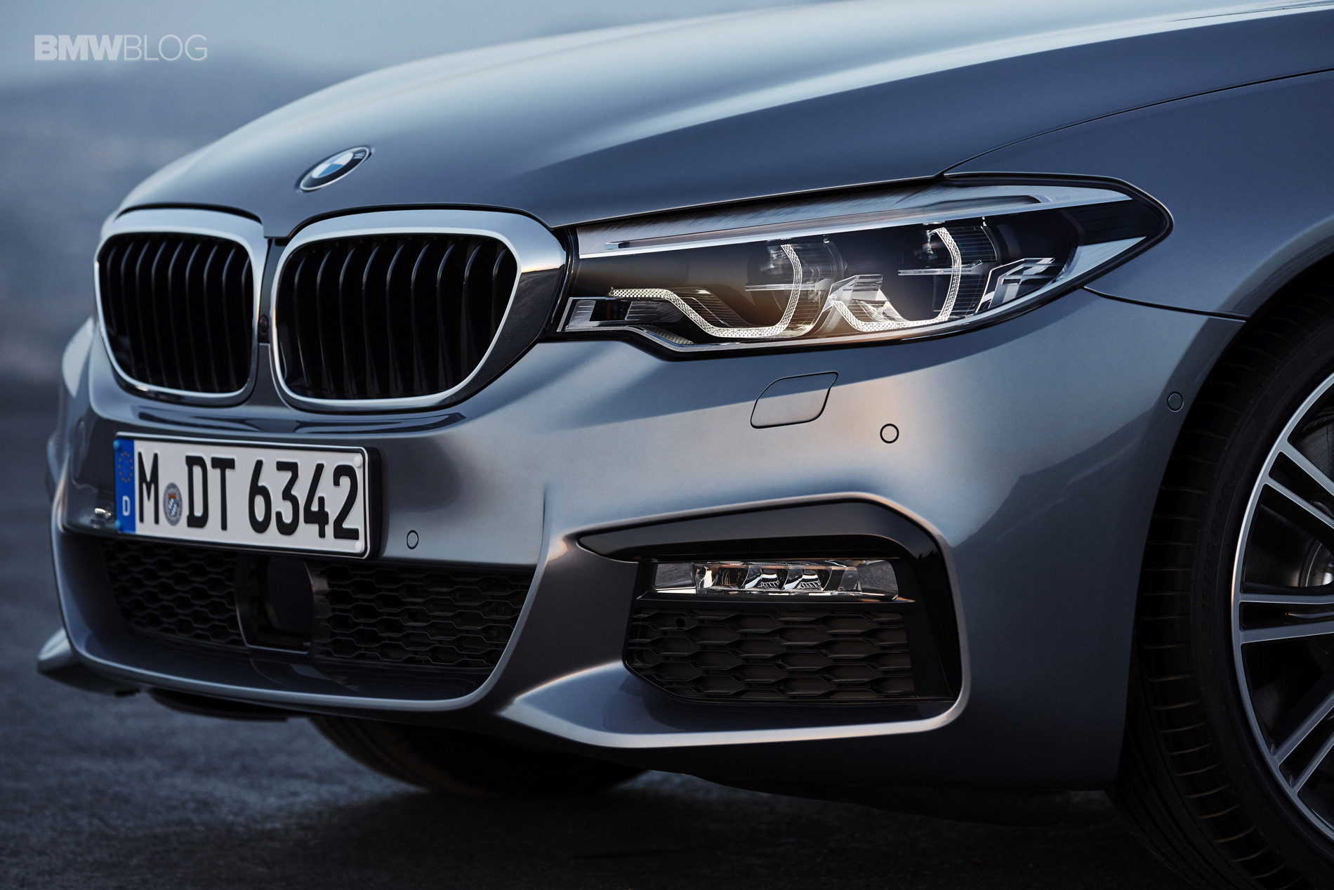 2017 Bmw 5 Series Will Have Adaptive Led Headlights As Standard In Us
