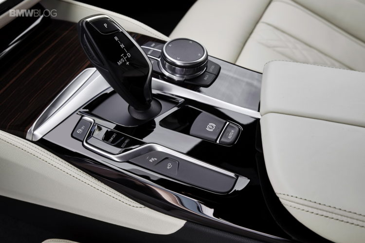 BMW-G30-5-Series-M-Sport-interior-27