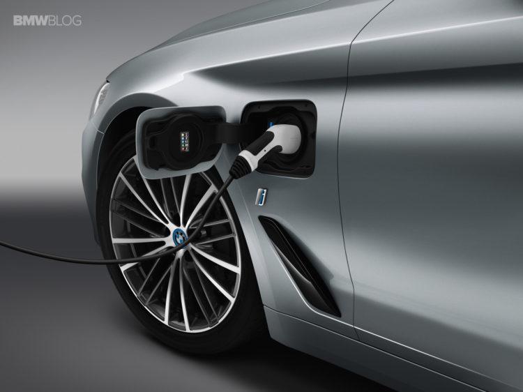 BMW G30 530e 3 750x562