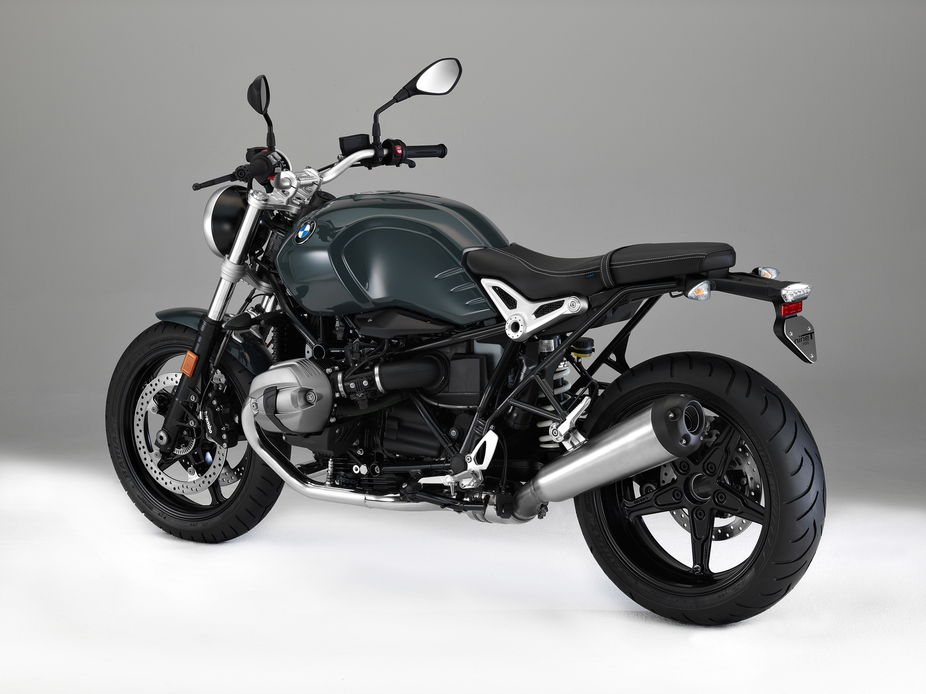 world premiere the new bmw r ninet racer and r ninet pure. Black Bedroom Furniture Sets. Home Design Ideas