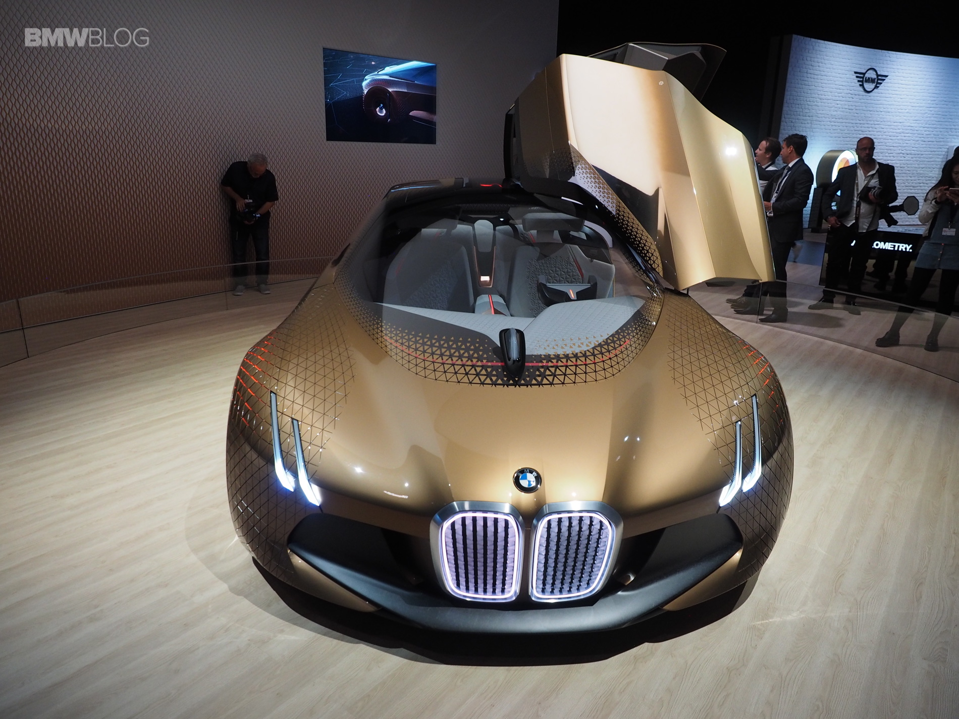 BMW Vision Next 100 Los Angeles 1