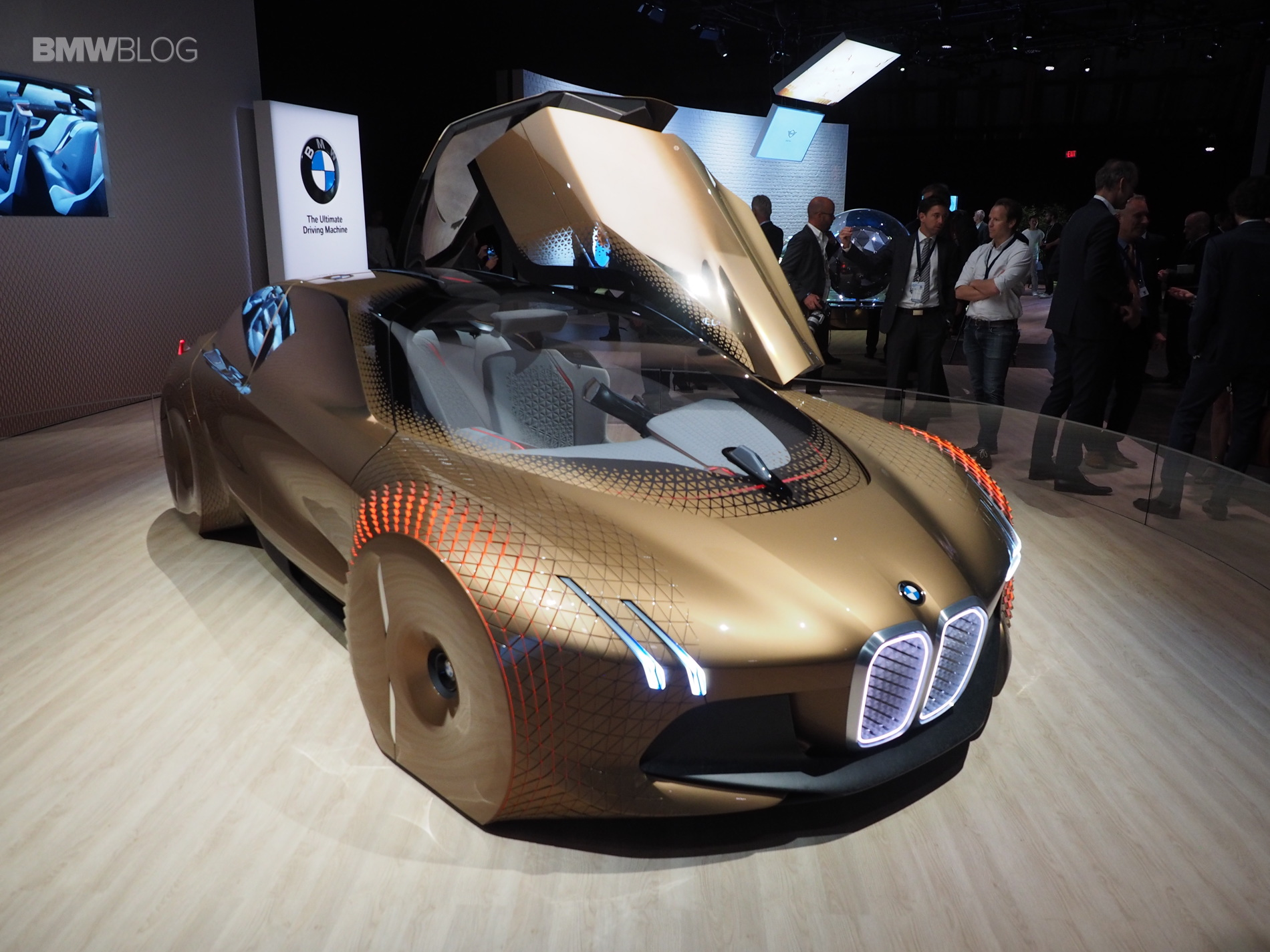 BMW Vision Next 100 Los Angeles 4