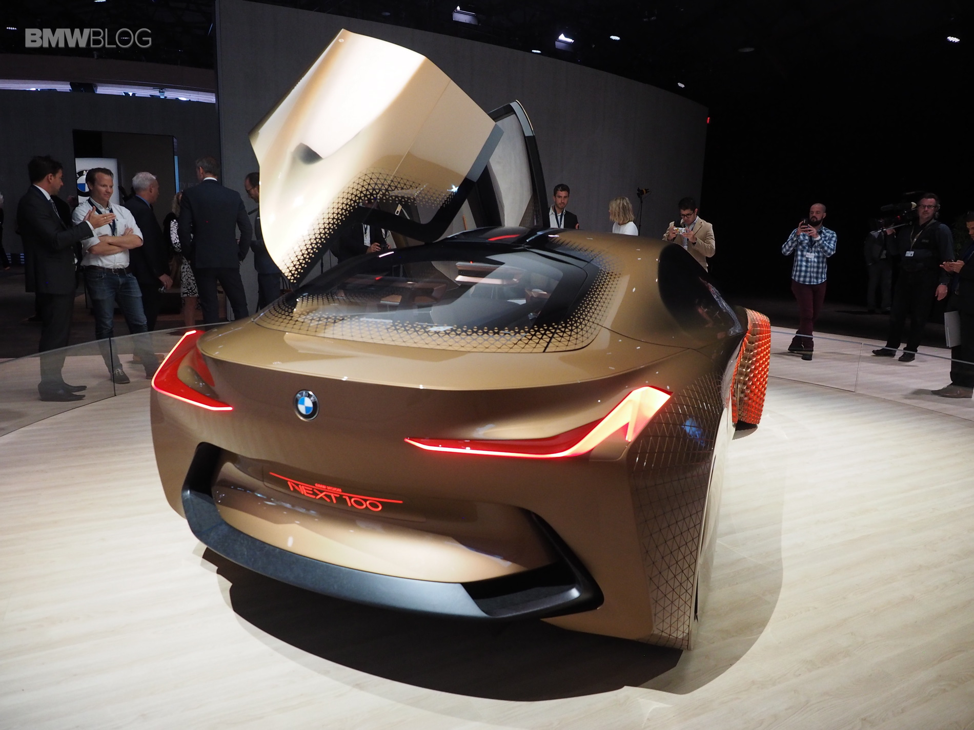 BMW Vision Next 100 Los Angeles 9