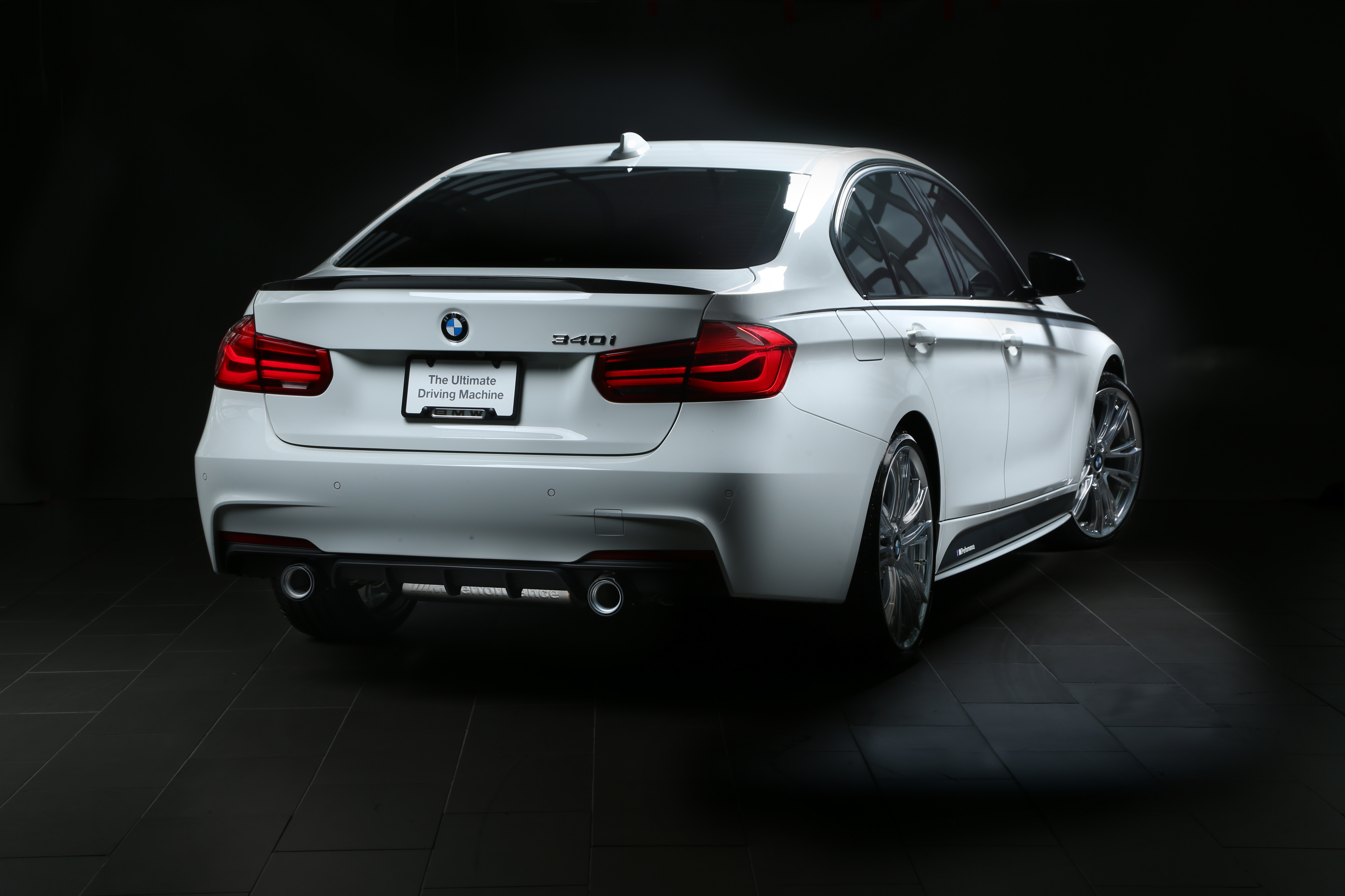VIDEO: BMW 340i Touring with M Performance Exhaust on ...
