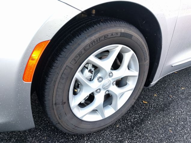 Chrysler Pacifica with Michelin Premier A:S