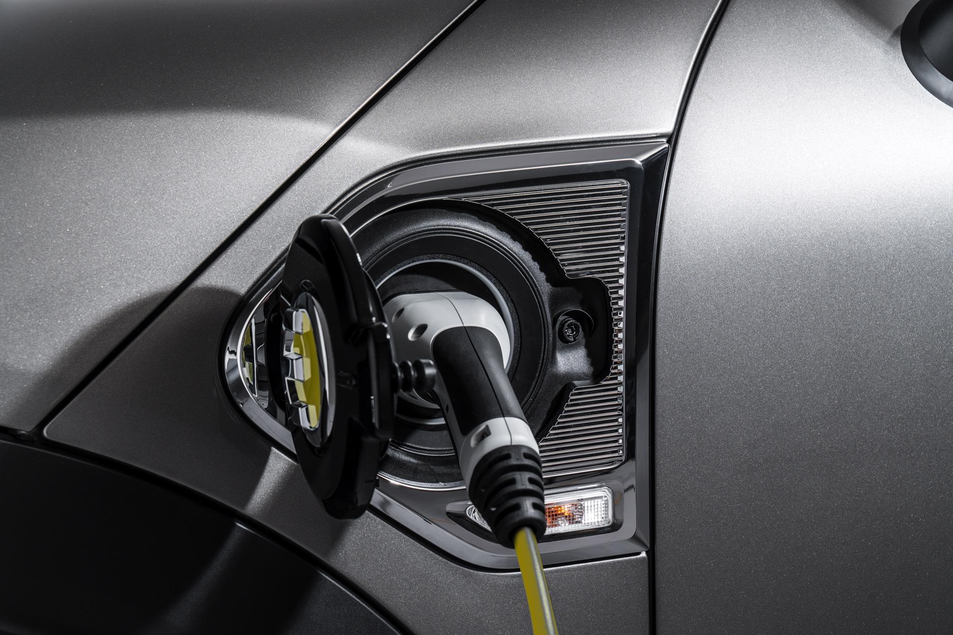 New MINI Cooper S E Countryman ALL4 plug in hybrid 40