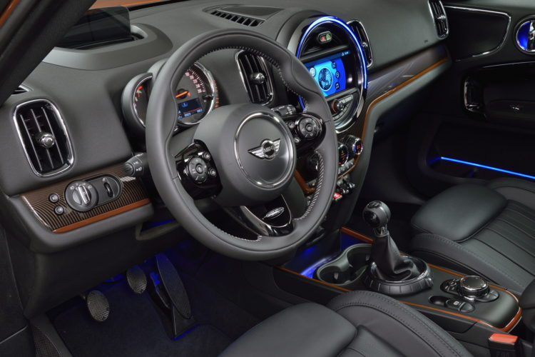New Mini Countryman Interior Design 33