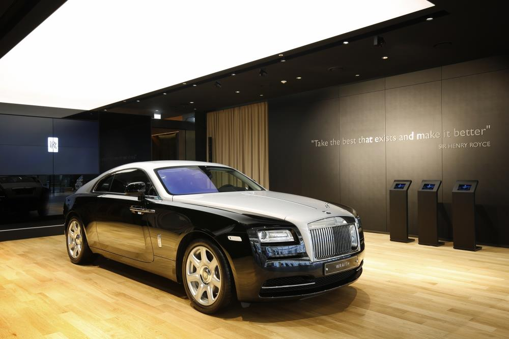 rolls royce opens first studio in asia for top notch customer experience 7