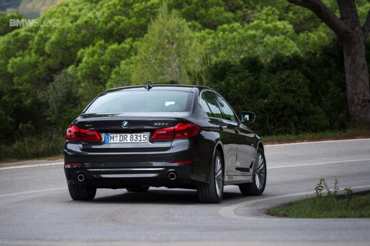 2017-BMW-530d-xDrive-31