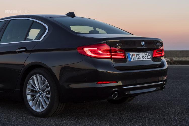 2017-BMW-530d-xDrive-43