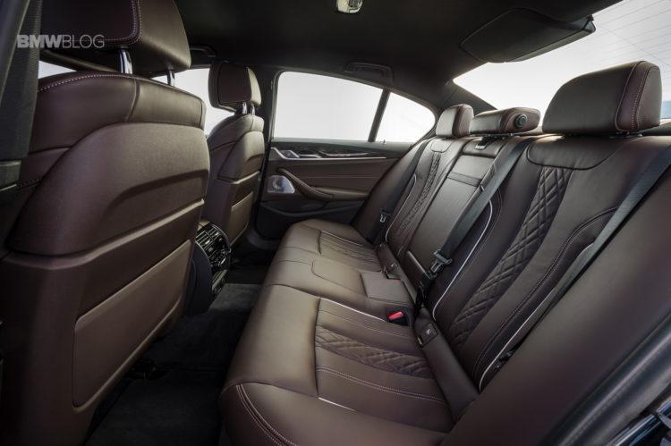 2017-BMW-530d-xDrive-53