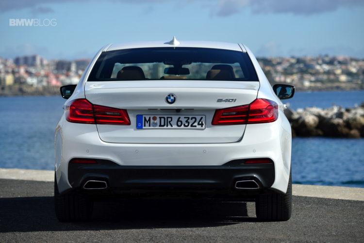 2017-BMW-540i-sDrive-39