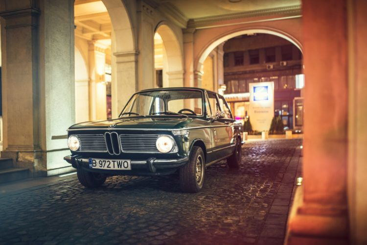BMW 2002 vs 3 Series 27 750x500