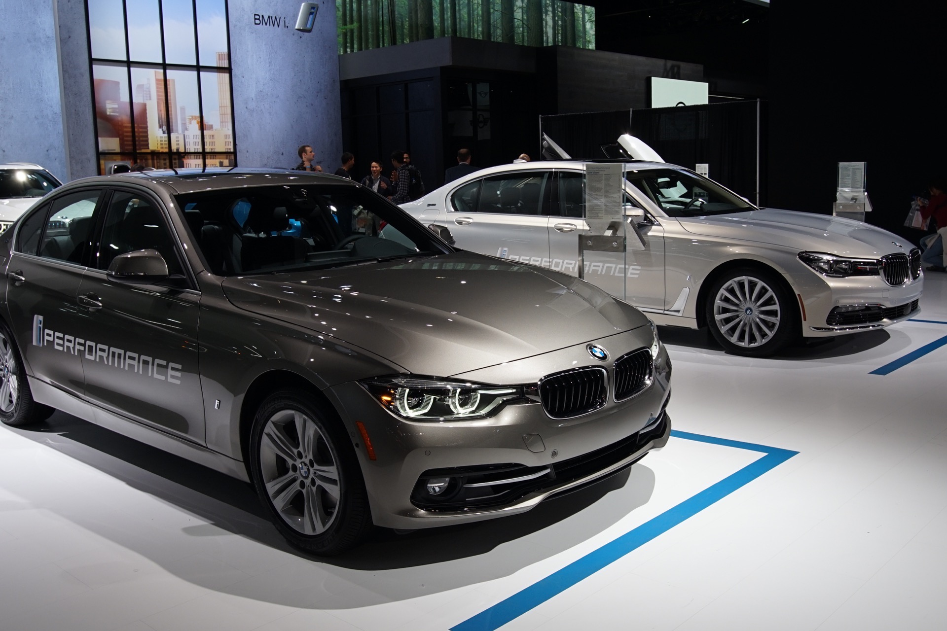 BMW 330e 2016 LA Auto Show4