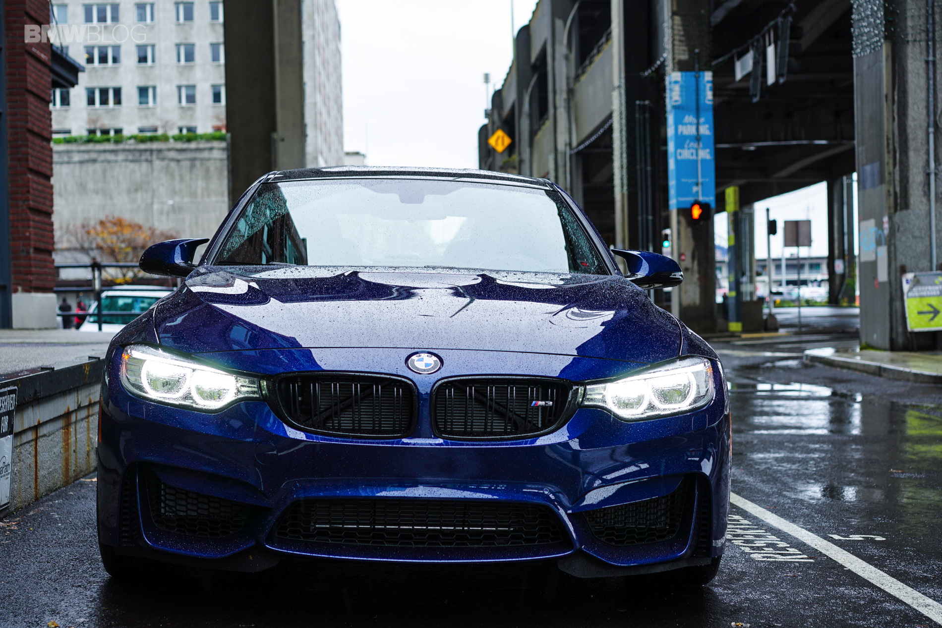 Blue Hera Mica Metallic BMW M3 38