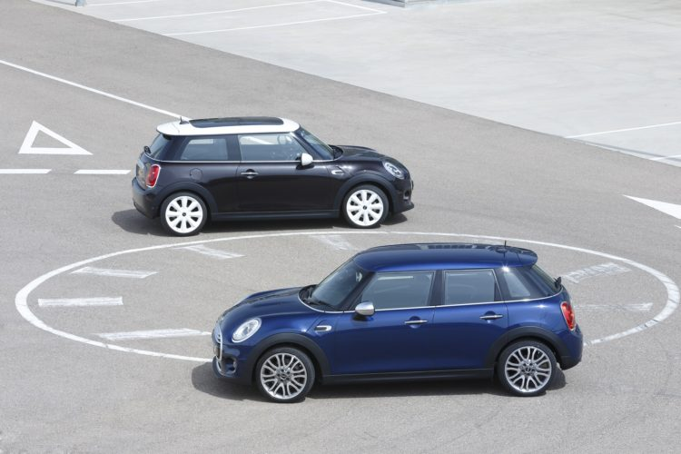 P90151597 highRes the new mini 3 door  750x500