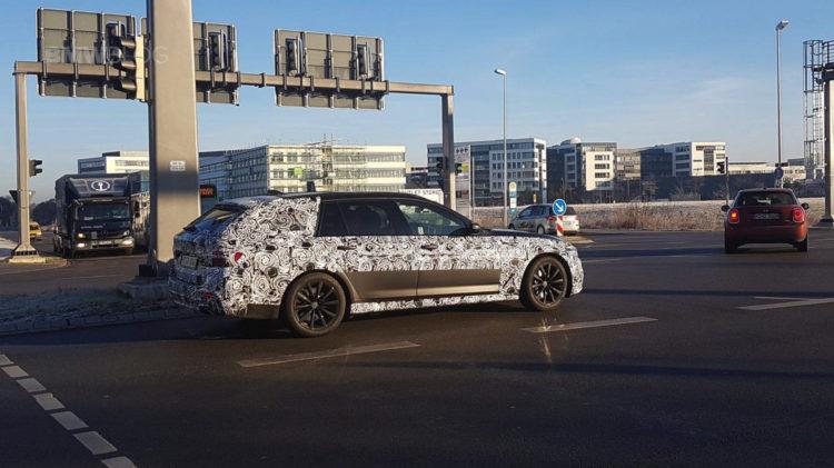 2017 BMW 5 Series Touring Spy Photos 04 750x421
