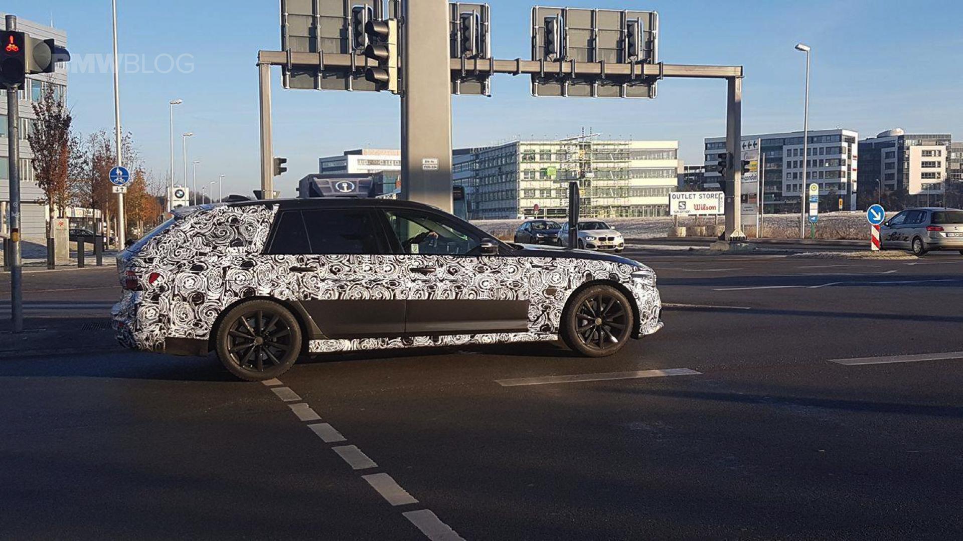 2017 BMW 5 Series Touring Spy Photos 05