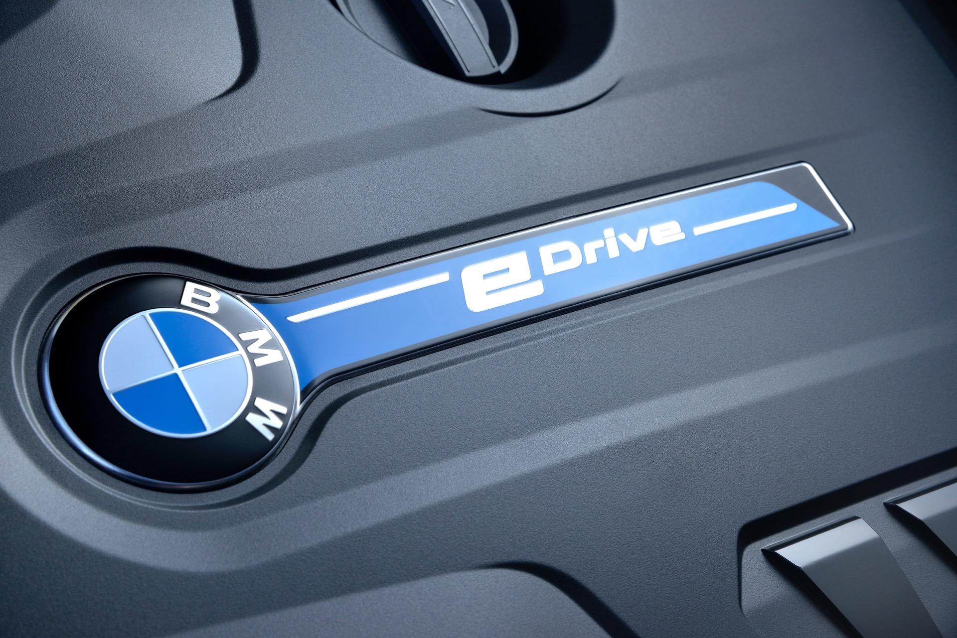 2017 BMW 530e iPerformance16