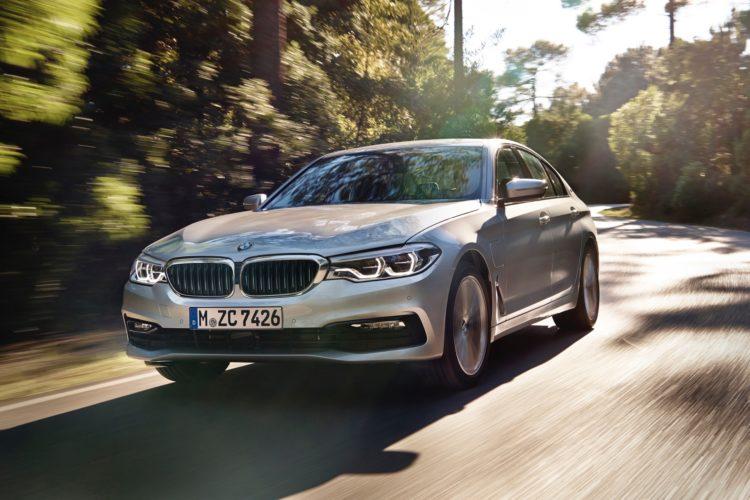 BMW 530i vs BMW 530e: Which to Buy?